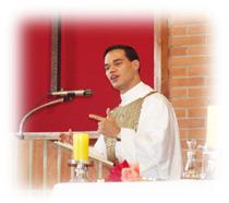El Padre Pablo desde el púlpito
