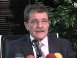 Se retiró Teodoro Petkoff Malev.